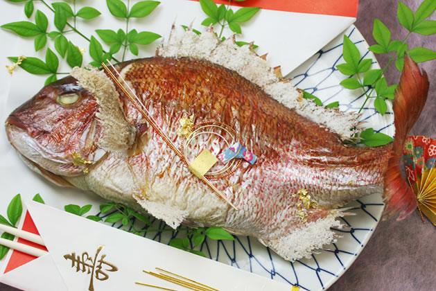 お食い初めなど特別なお祝いには淡路島の天然焼き鯛で